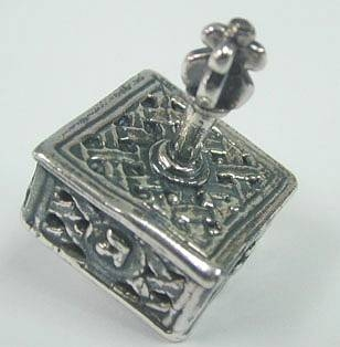 Sterling Silver Knitted Hanukkah DreidelYemenite Square Small Dreydle