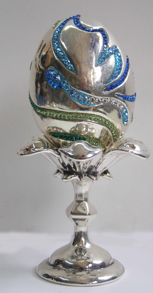Silver Faberg´e Eggs with Silver Stand