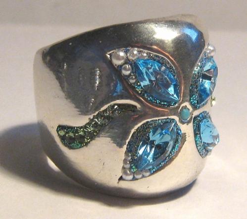 טבעת מכסף טהור עם אבנים כחולות